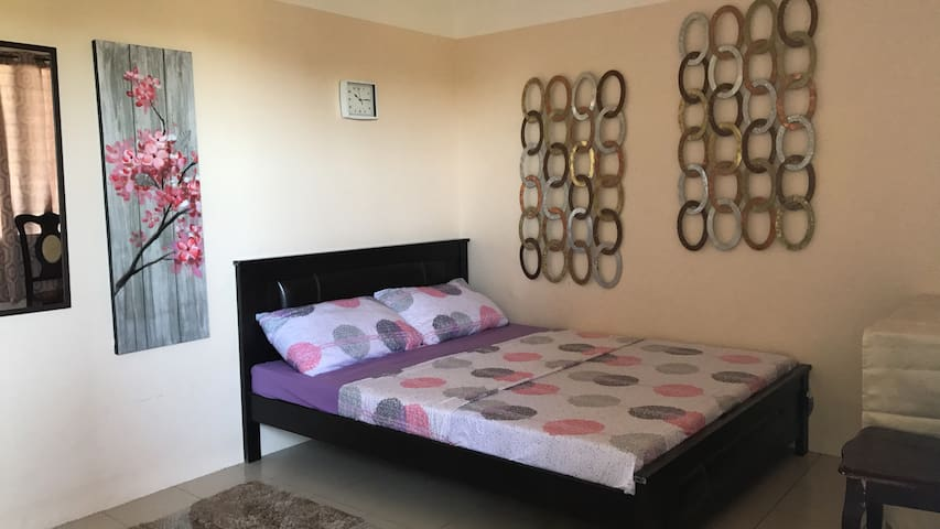 B1 Queen Size bed  No,1 Recommend in Park Terrace