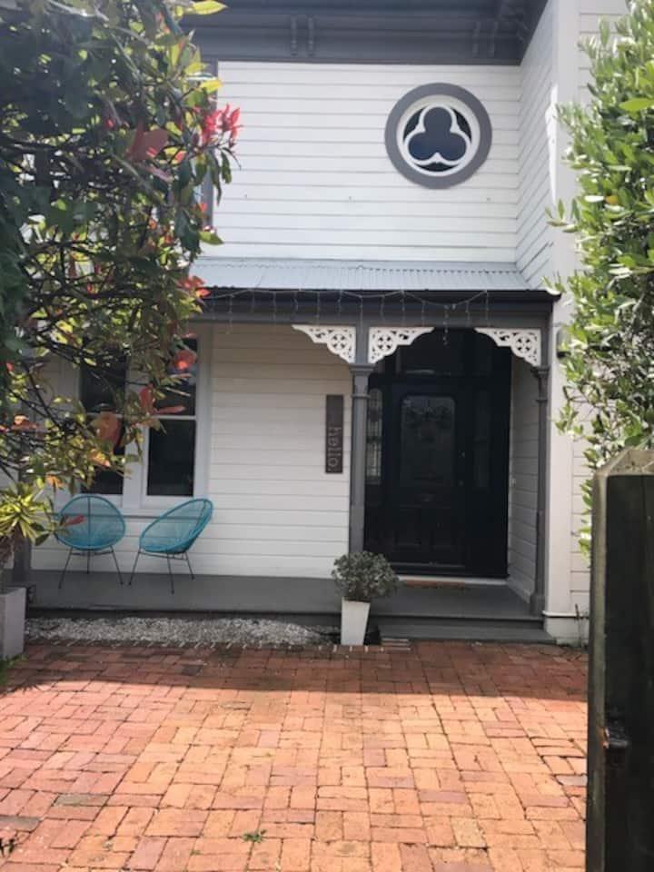 Hardy Street Villa