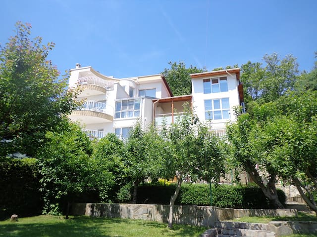 Holiday house near the beach, Golden sands - Варна - Дом