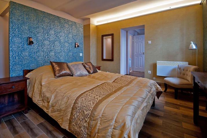 Hangulatos lakás Pécs belvárosában