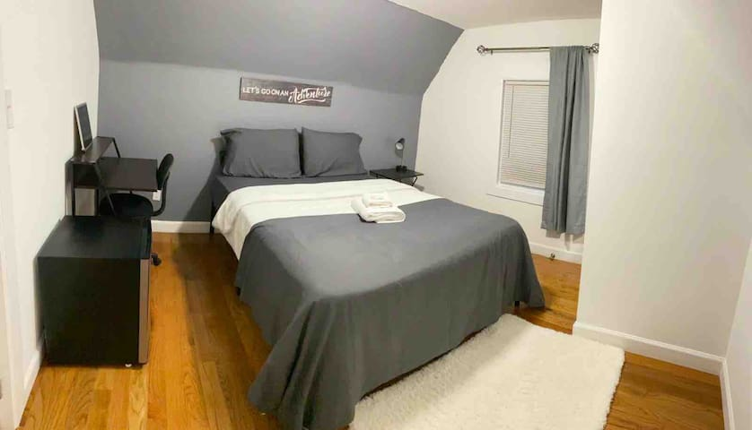 Beautiful Bedroom close to NYC / EWR / KEAN