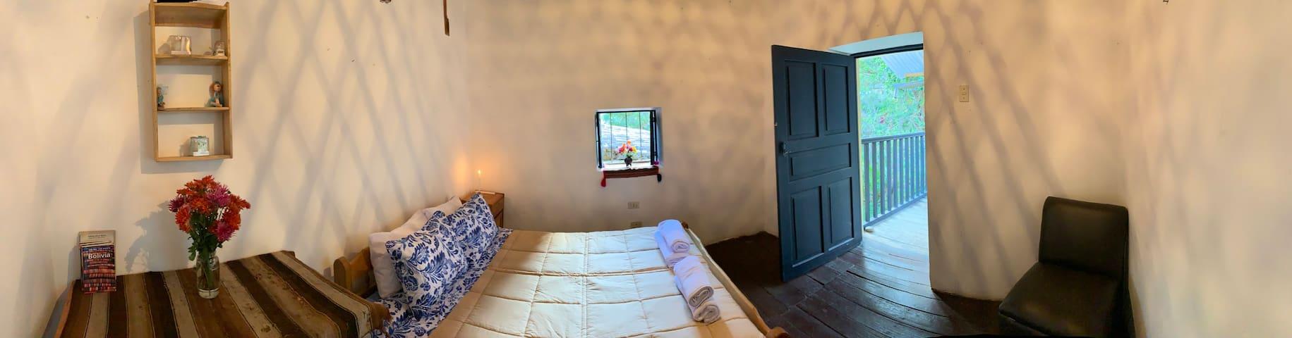 Queen Bed with Balcony at El Canchon