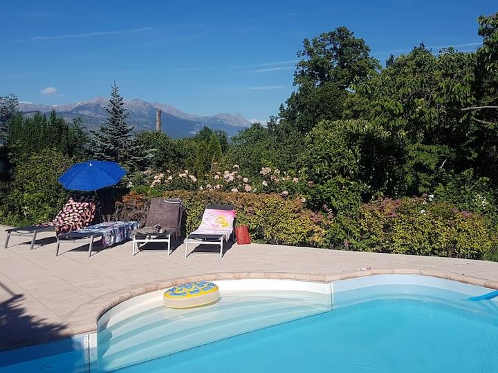 Châtaigniers Alpins - appt 6 p. dans villa piscine