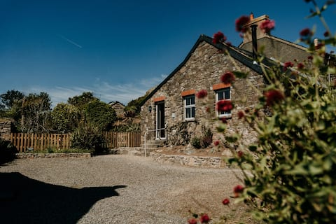 Hideaway - your St Davids Escape. Just for two