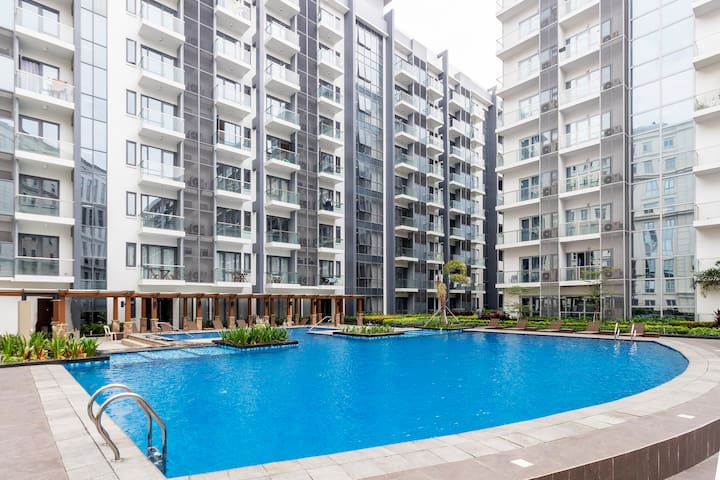 Free swimming pool access
