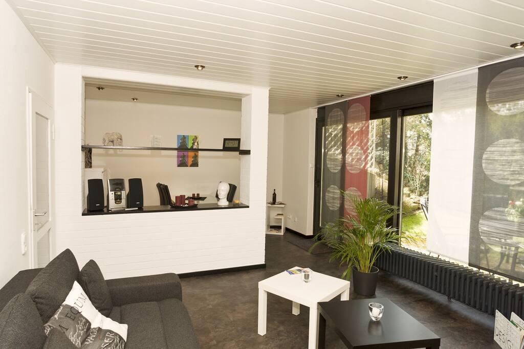 Wohnzimmer mit Blick auf Essecke