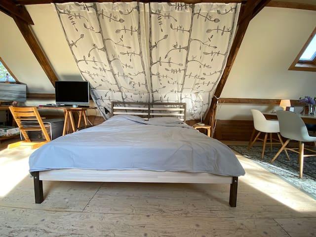 Sleeping area + twinbed