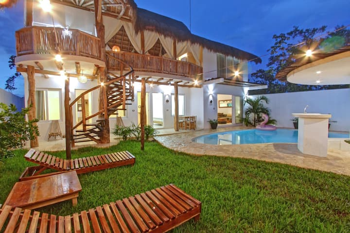 LUXURY 5 BR HOUSE MINUTES FROM TULUM BEACH