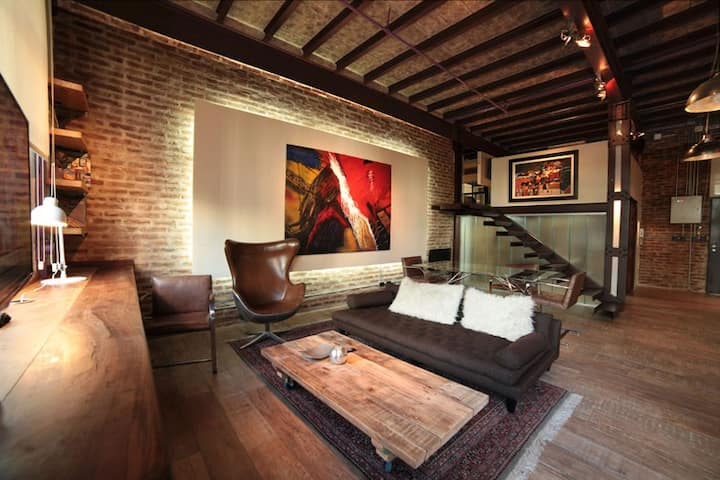 Loft with swimming-pool + garden + restaurant/bar