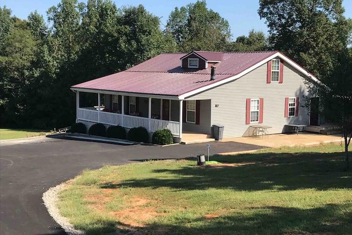 Guest House near VIR, Hyco Lake, Dan River.