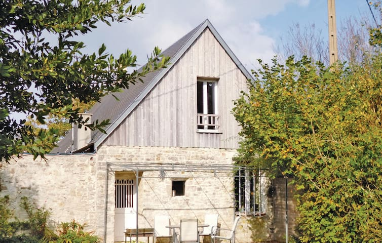 Holiday cottage with 3 bedrooms on 120 m² in St. Germain du Pert