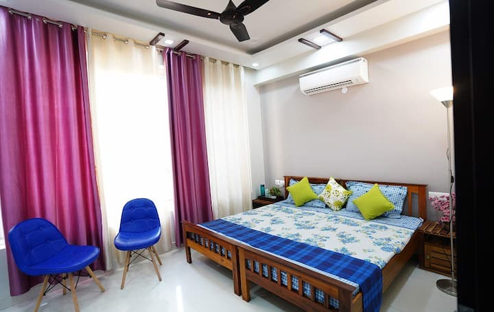 Deluxe Suites in Greater Noida