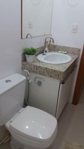 quarto em apartamento - área central - Palmas - Apartment