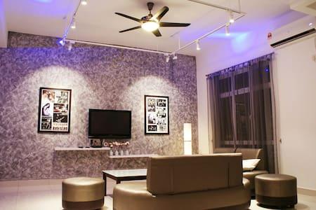 New Shamrock Seaview 11 Villa, 5R5B - Batu Feringghi