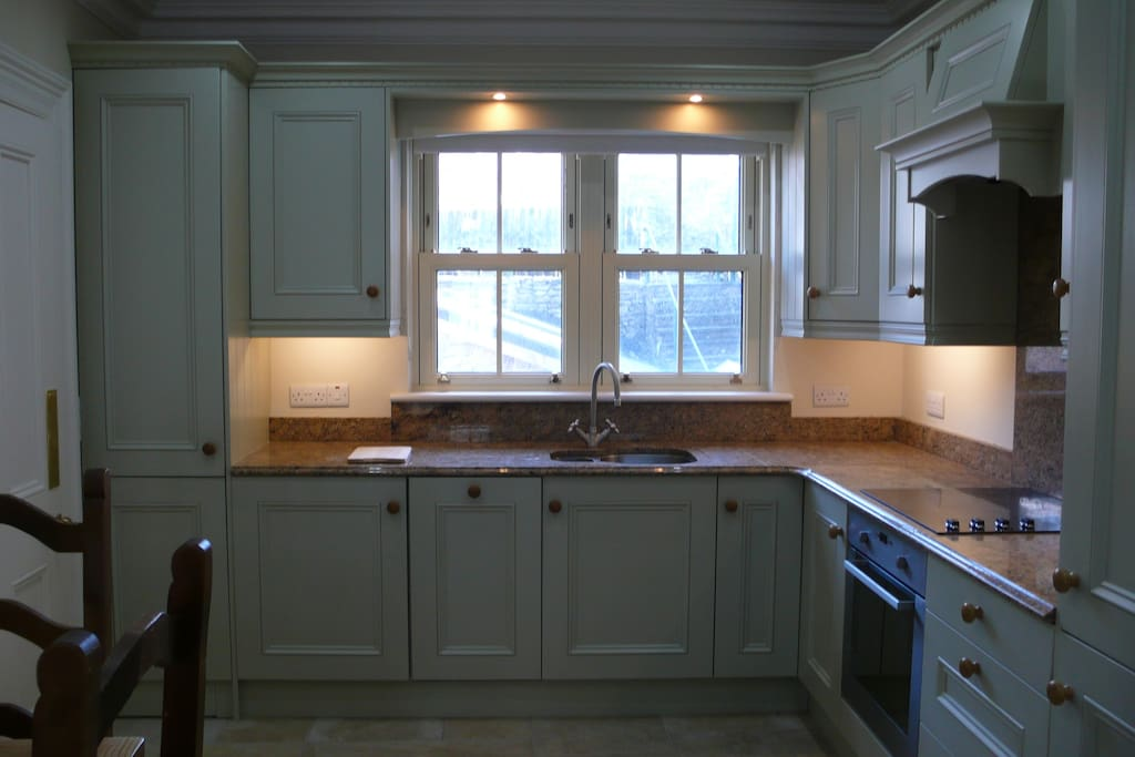 Modern, well-equipped kitchen