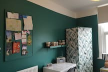 NEWLY DECORATED double room in CITY CENTRE