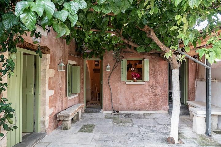 Lemon Tree Eco-Retreat with beautiful Terraces