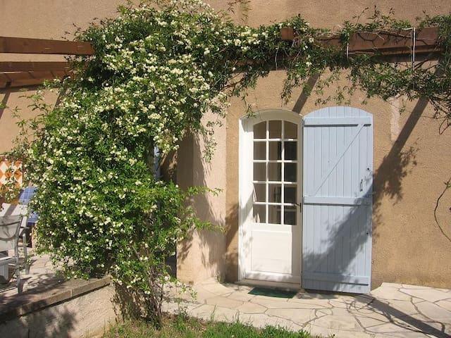 Pierre de Lune B&B Provence (Room 4 of 4)