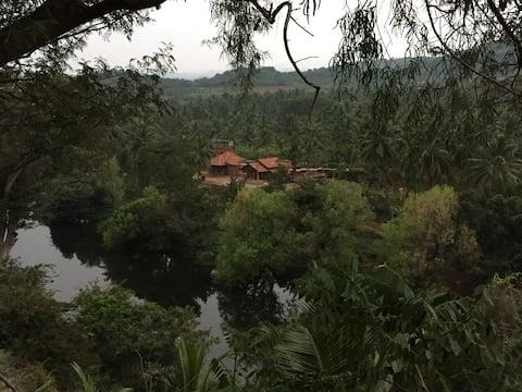 ATULYAM Serviced Villa - King room - Garden view
