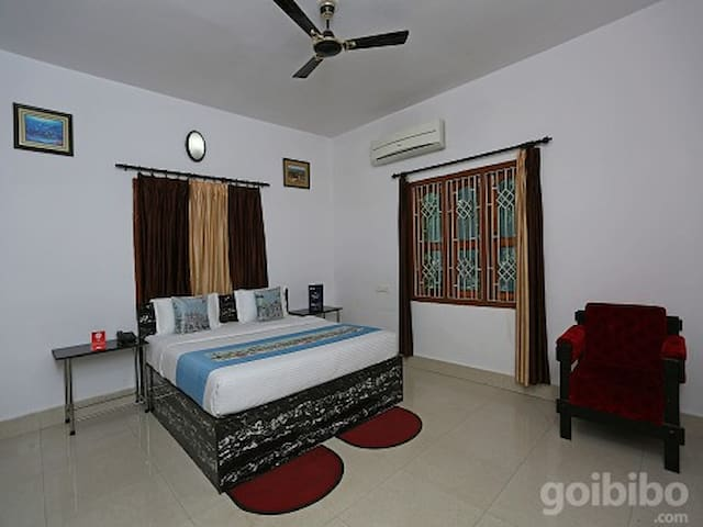 Classic room in OYO 4110 Miskys Guest House