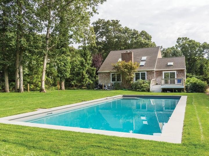 Hamptons home w/ heated pool near beaches & dining