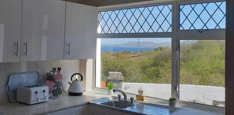 Cozy Sea View Home