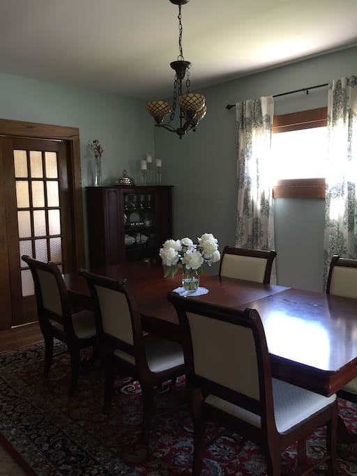 Our elegant dining room seats more than 6 guests comfortably
