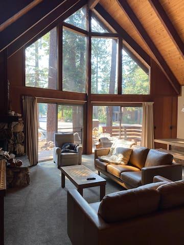 Cozy A-Frame Lake Tahoe Getaway