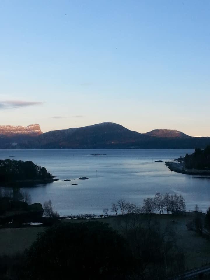 Leilighet ved Sognefjorden, Rutledal, Gulatinget.