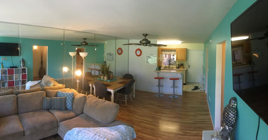 Master bedroom - Beach, Cozy, Walkable