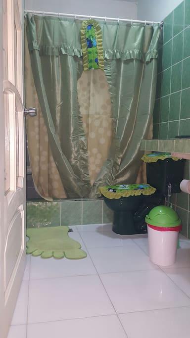 Baño dentro del cuarto