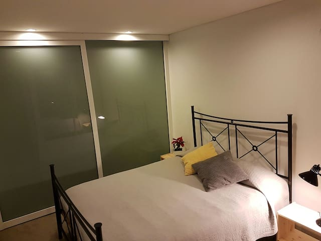 Amazing room of moderm loft!!!!! - Kingsgrove