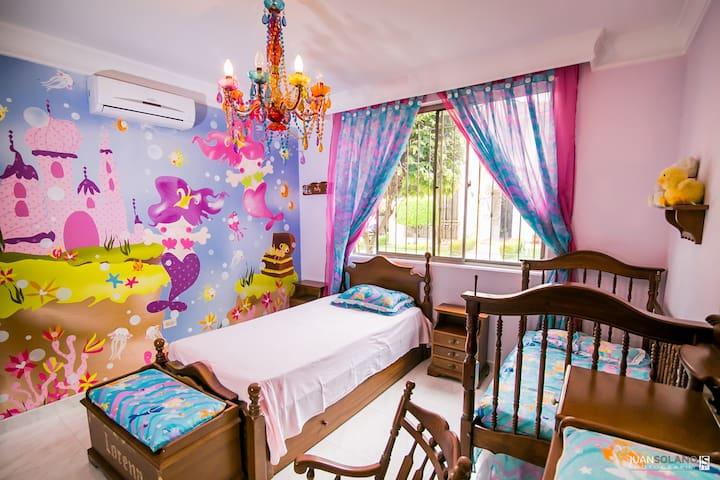 Quintas de Oriente rooms, pool, AC, WIFI