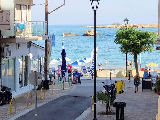 Chania beach apartment,Next to taverns,City center,Old town
