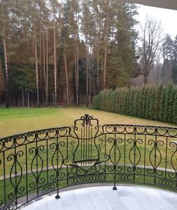 Дом с выходом в лес