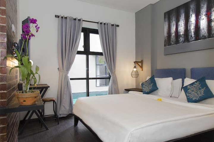 Clean and Comfy Room in Modern Hotel Seminyak