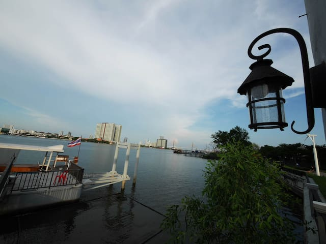 Relax with Chao Praya River Peaceful &Convenience - Bangkok - Kondominium