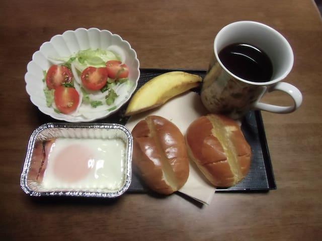 Breakfast ¥300