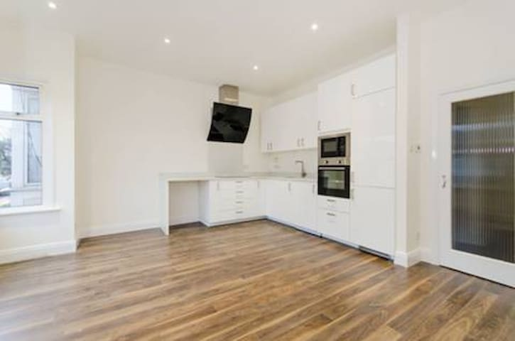 3bed flat in Harrow, easy access to central London - Harrow - Daire