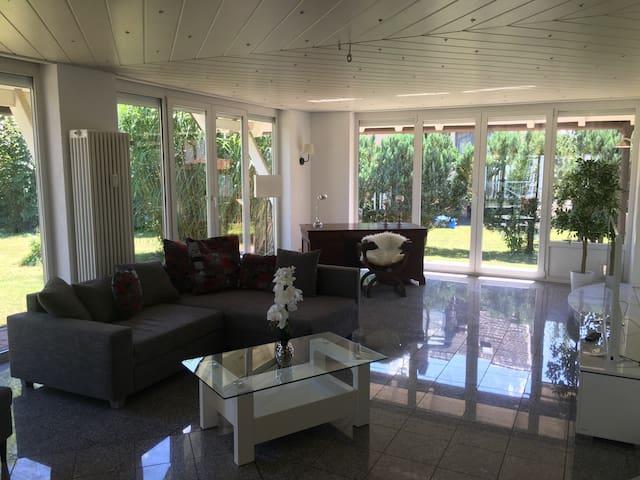 Exklusive 135 m2 Erdgeschosswohnung - Sexau - Lägenhet