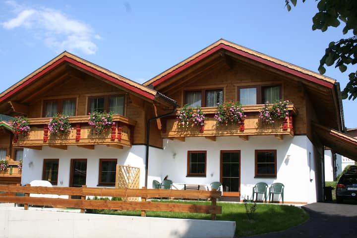 Beautiful Chalet in Niederau with shared Sauna