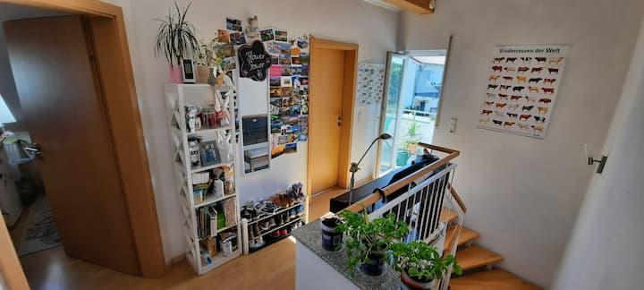 Gemütliche, vollmöblierte Wohnung am Stadtrand