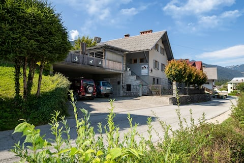 Apartmaji Rauter: Oasis with Garden