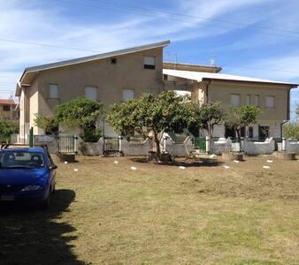 Appartamento 500 metri dal mare-Torremezzo (CS)