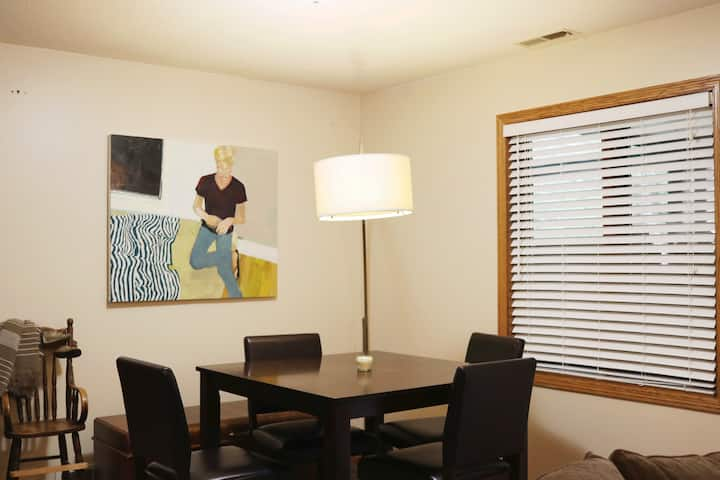 Private space  - 25 minutes to downtown