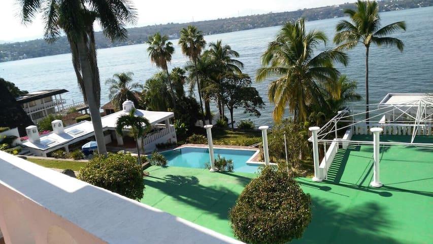 Habitación a la orilla del Lago 1 - Tequesquitengo - House