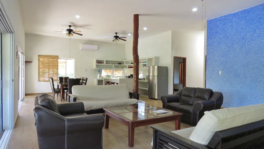 """Hotel &  Suites Oasis Bacalar """"Suite Aves"""""""