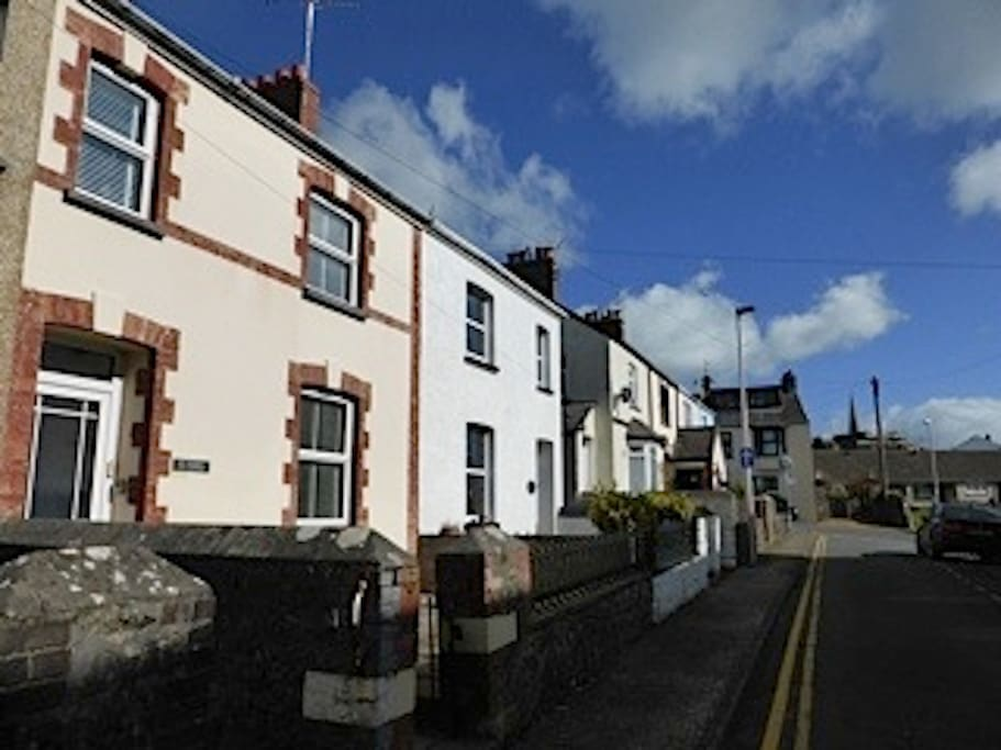 Seasalt Cottage. 11 Clareston Road, Tenby