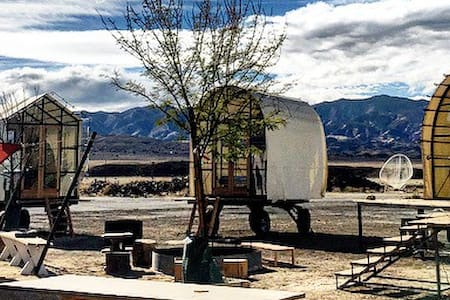 Gable Hut at Blue Sky Center - New Cuyama
