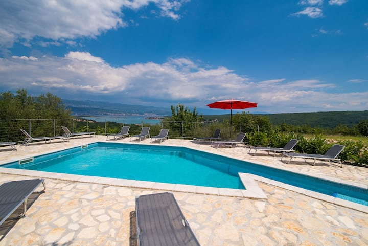 Holiday House Rosalia With Seaview And Pool